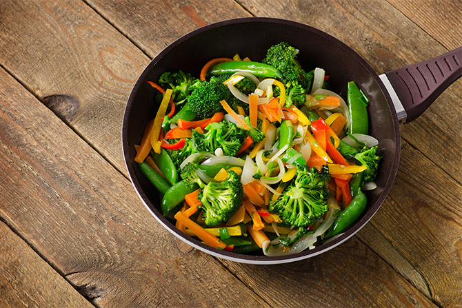 oil-less vegetable stir frizzle fry