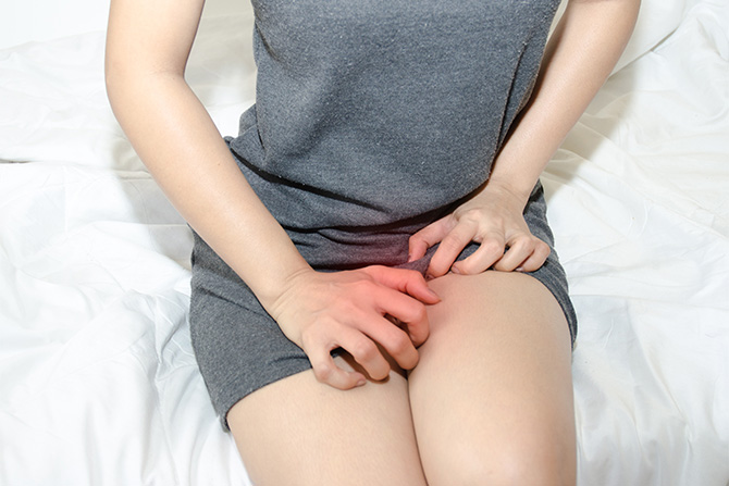 vaginal yeast infection itchy